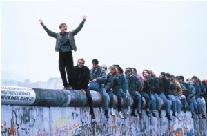 Atlas-BerlinWall1